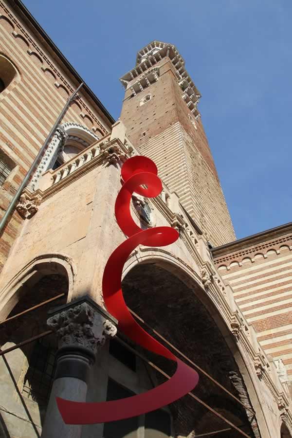 Studio (di) molle: Molla su Scala della Ragione 1, Verona
